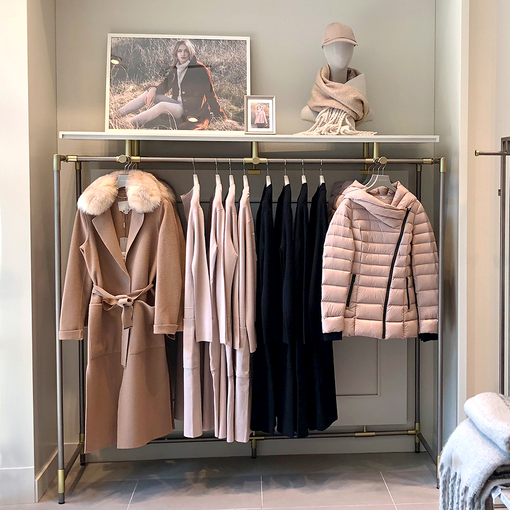 SOIA&KYO clothes display stand